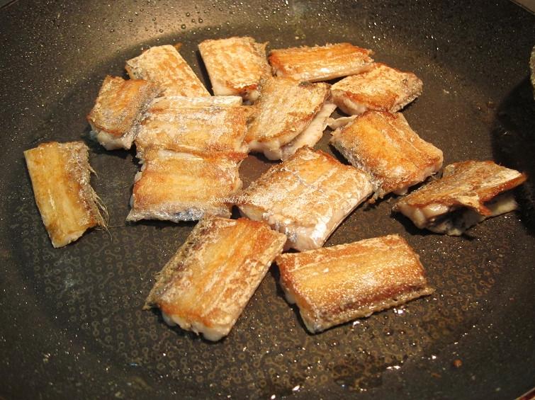 蒜苗燒帶魚 (1)
