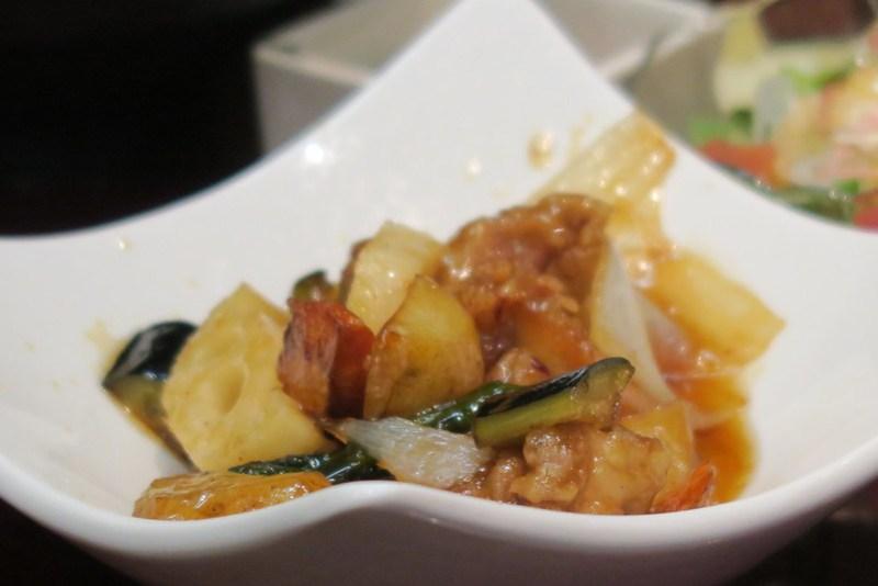 鶏と野菜の黑酢あん(糖醋蔬菜雞肉)
