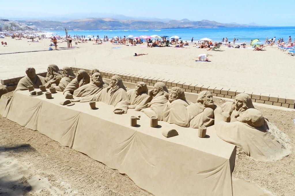 Escultura de arena La Ultima Cena Playa de las Canteras Las Palmas de Gran Canaria 23