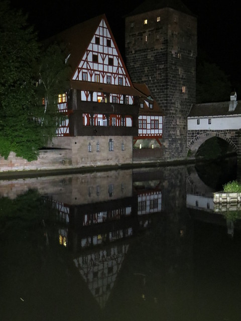 pegnitz-river-night
