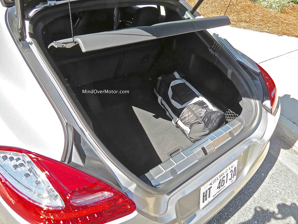 2013 Porsche Panamera GTS trunk