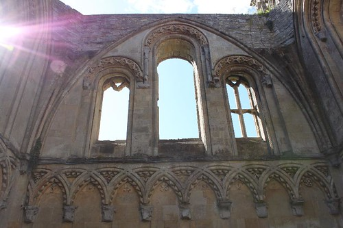 20120830_6477_Glastonbury-abbey_Small
