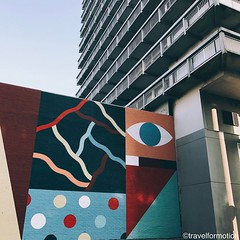 #thecrystalship #oostende #ostend #visitoostende #streetart #art #skyscraper #colours #visitflanders #wanderlust #travel #travelgram #vsco #vscocam #guardiantravelsnaps #belgium #igbelgium #wall #architecture #streetartistry #streetart_daily