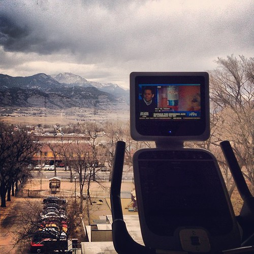 Exercise with a view of Pikes Peak from the Antlers Hilton #coloradosprings by @MySoDotCom