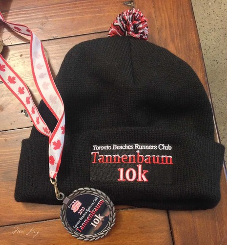 Tannenbaum 10k hat and medal