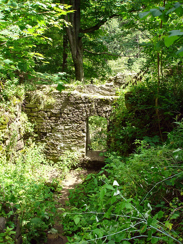ball's falls - ruins of woolen mill