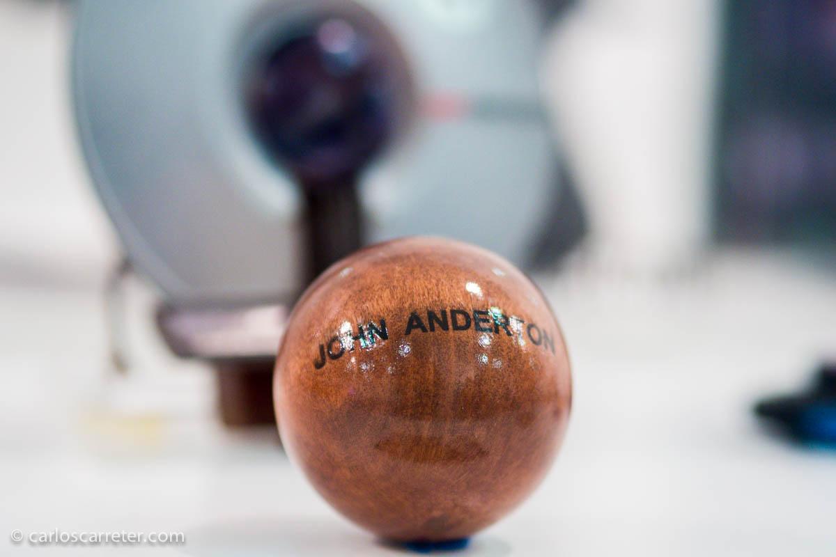 La bola del Jefe John Anderton (Minority Report)