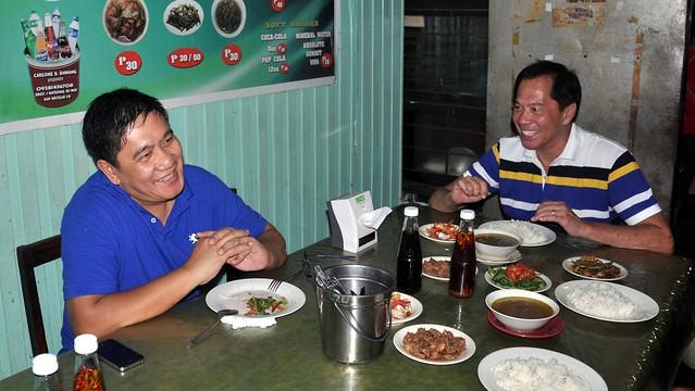 Sandy Daza eats at Dawang's
