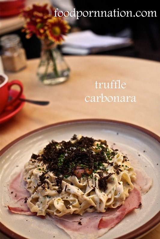 truffle carbonara w truffle shavings
