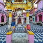 India - Uttar Pradesh - Mathura - Kesava Deo Temple - 05.