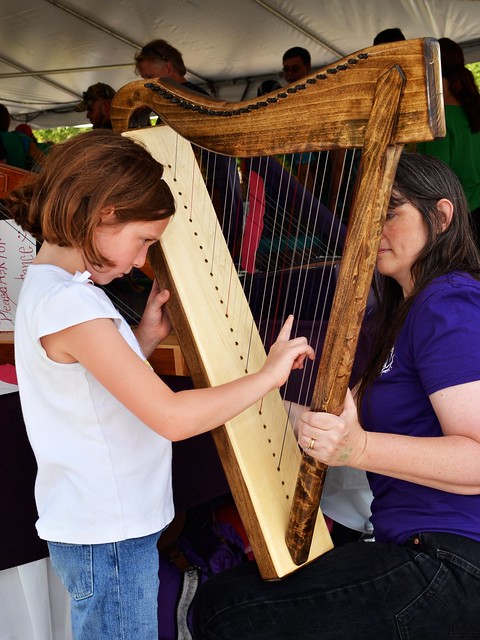 Caitlin Tries a Harp