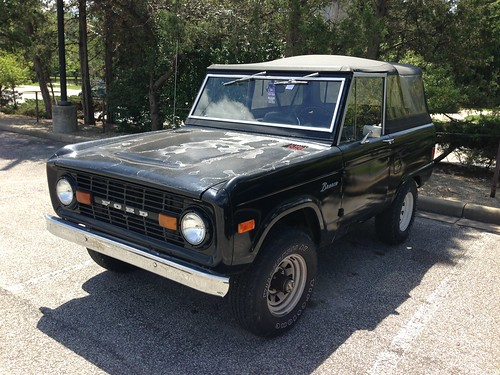 1977 Ford Bronco a