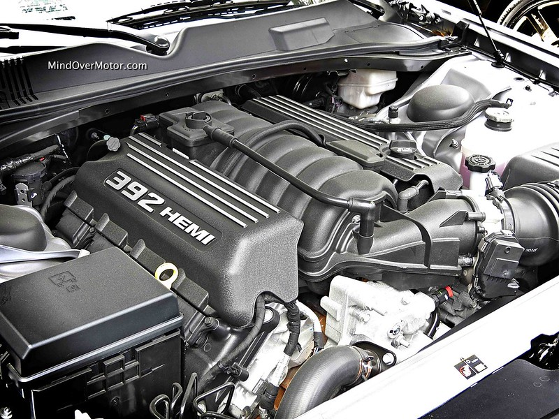 Dodge Challenger SRT 392 6.4L Hemi V8 Engine