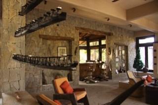 Interiors of the Kanha Earth Lodge