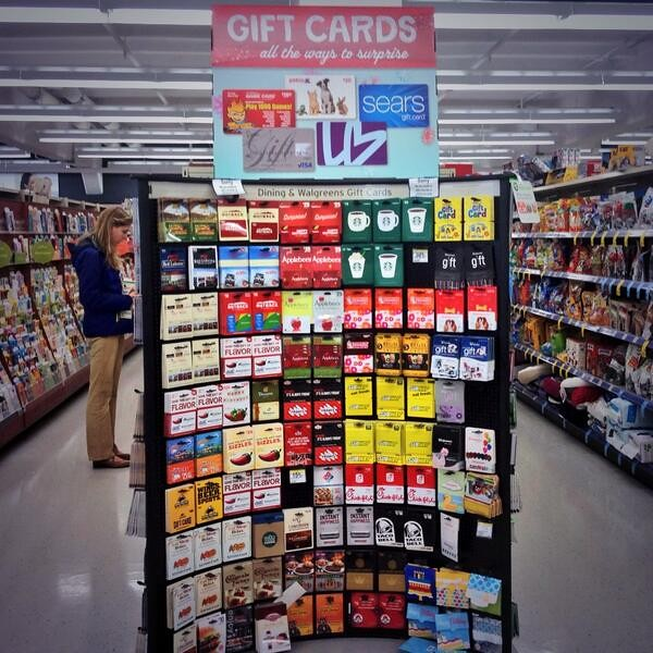Gift cards are the perfect last minute gift - Walgreens has plenty to choose from! Read about more gift ideas here & enter to win a $25 gift card: http://ohsocrazy.com/walgreens-has-gifts-for-everyone-on-your-list-giveaway/ #WalgreensLatino #sponsor