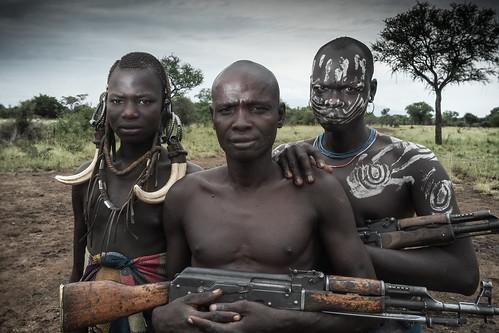 Etiopia Mursis with their Kalashnikovs
