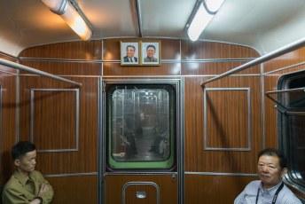 Eenmaal in het rijtuig met alleen onze groep werd ik weer op mijn gemak gesteld met de foto's van Adolf en Pol.
