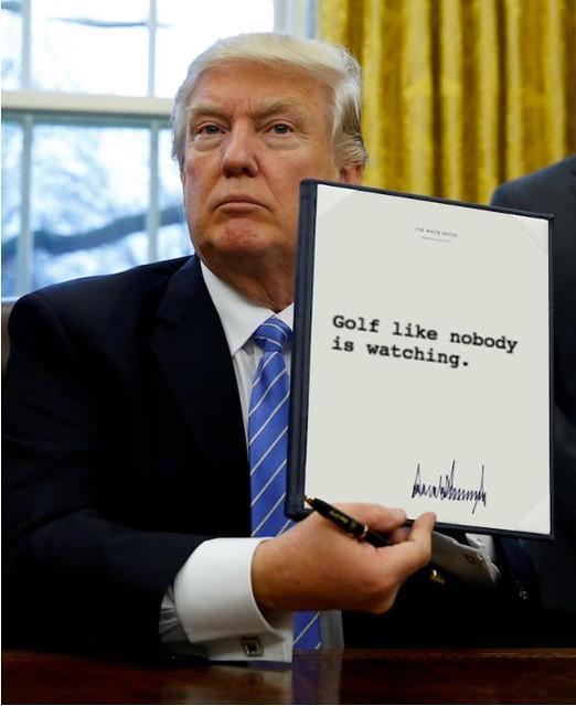 Trump_golflikenoonewatching