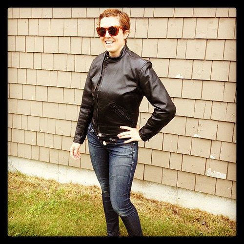 Modeling my Dad's 1956 Langlitz Leathers motorcycle jacket... Now mine!