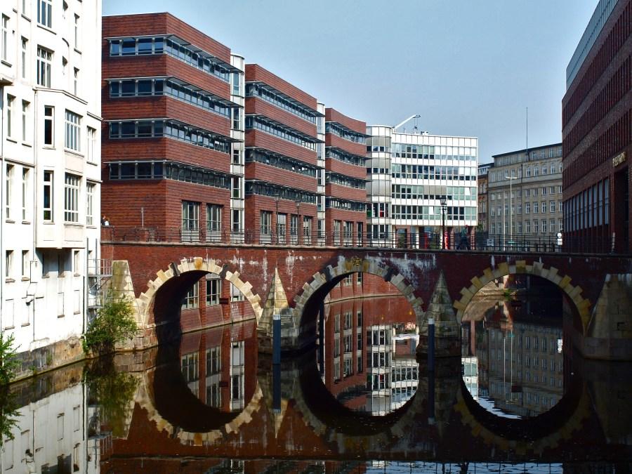 9 Bruggen in Hamburg, Ellerntorbrücke, foto door Alejandro | Standort Hamburg