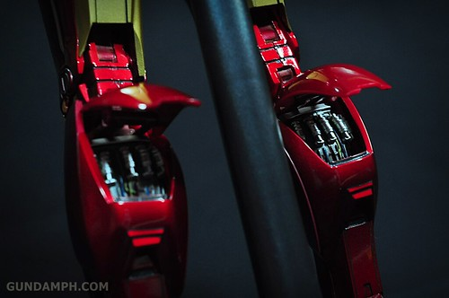 Hot Toys Iron Man 2 - Suit-Up Gantry with Mk IV Review MMS160 Unboxing - day1 (54)