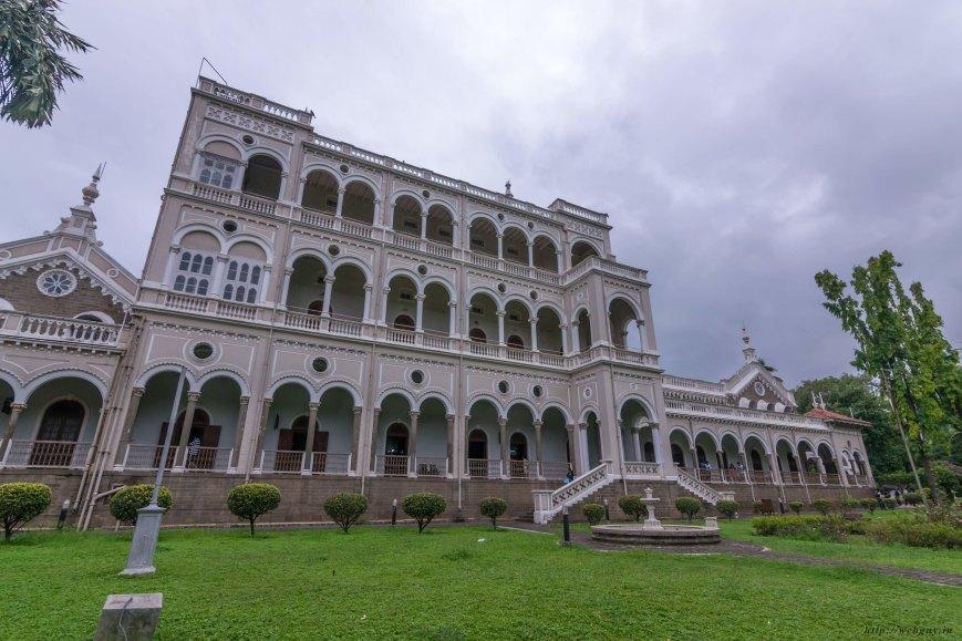 aga khan palace side photo