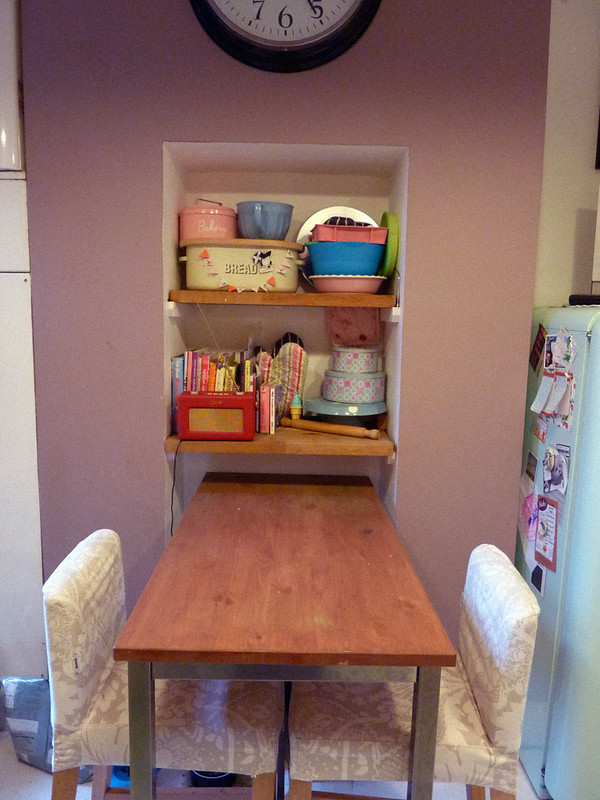 dulux-dusted-damson-kitchen-wall