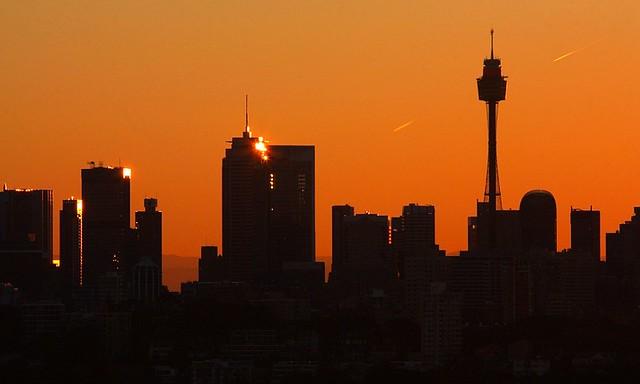 Sydney sunset skyline silhouette, Australia, fotoeins.com