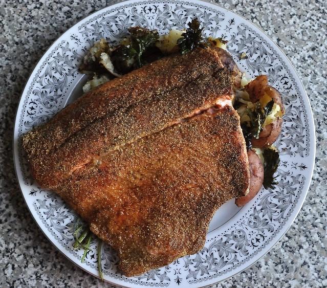 salmon and potatos