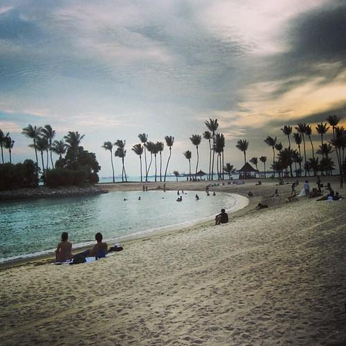 Beach at #sentosa #singapore by @MySoDotCom