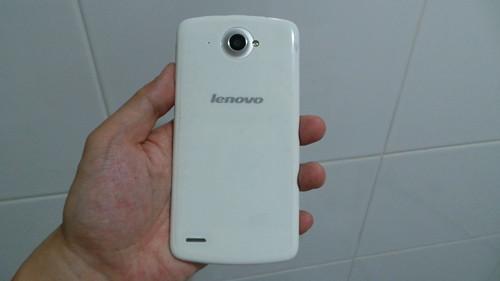 Lenovo S920 ด้านหลัง