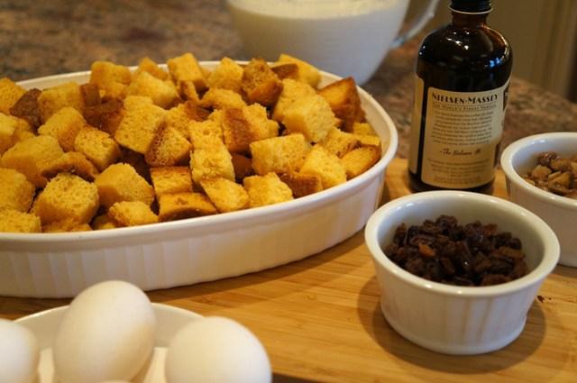 pandoro bread pudding ingredients