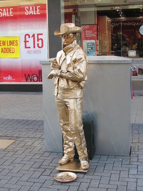 Living statue, Bristol