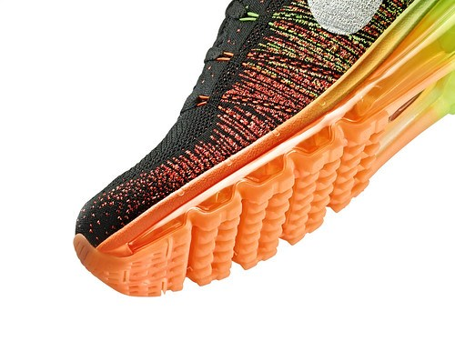 Nike_Flyknit_Air_Max_mens_detail2_24215
