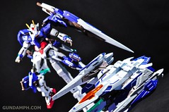 Metal Build 00 Gundam 7 Sword and MB 0 Raiser Review Unboxing (110)