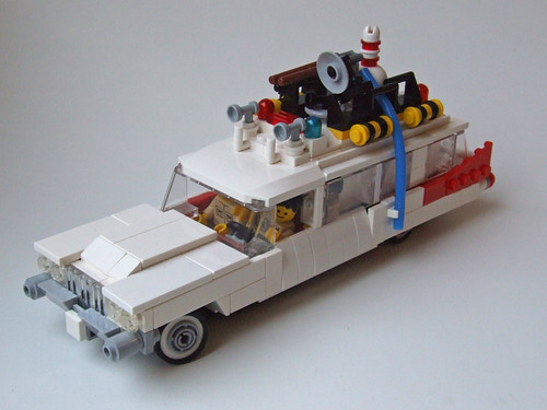 Ecto-1 9 V (revised) by ER0L