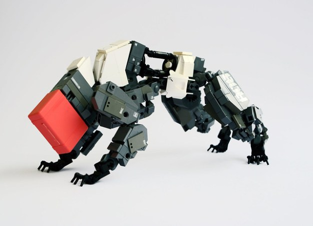 Botdog LEGO robot Gamabomb