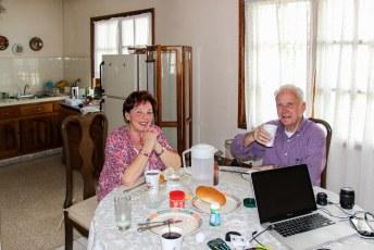 En toen waren daar ineens mijn ouders bij mij aan de ontbijttafel.