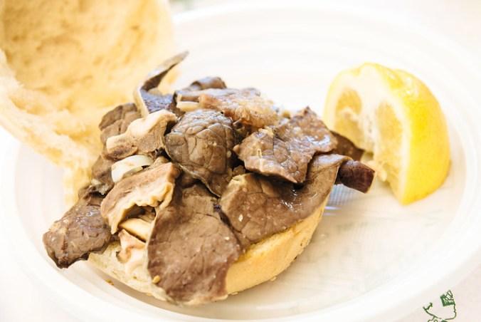 Broodje milt in Palermo, ultiem Siciliaans streetfood