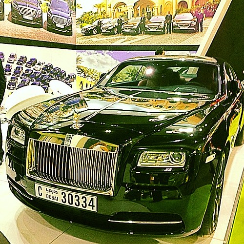 #repost #rollsroyce #RR #blackbeauty #black #arabiantravelmarket #dubai #lifestyle #luxury #shiningstar #fashion #Arabs #rich #automobile
