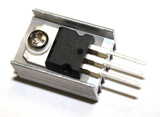 LM7805 regulator with heat sink