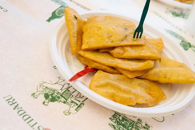 Panelle in Palermo, Siciliaans streetfood van gefrituurd kikkerertenmeel