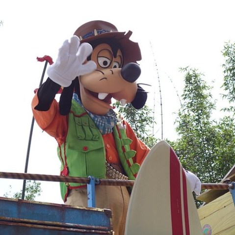Mickey's Jammin' Jungle Parade。グーフィーさん。