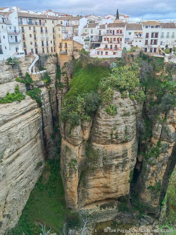 Ronda cliffs & buildings