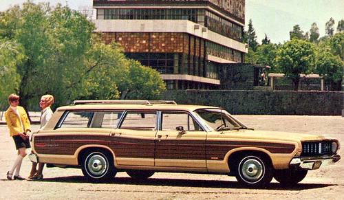 Ford Country Squire 68