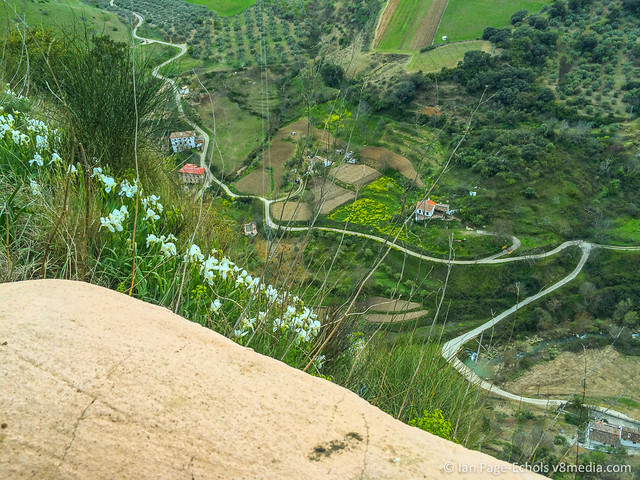 Tiny houses from Ronda cliff