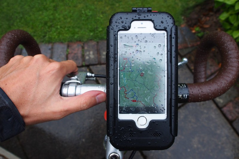 BikeConsole bike mount for iPhone 5s in an overhead view