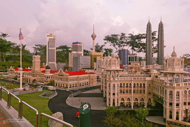 World renowned landmarks made of LEGO