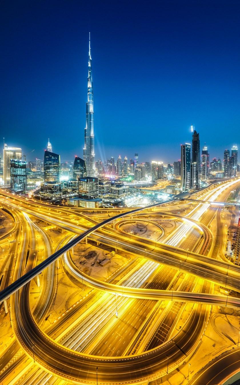 Road and Track in Dubai - Burj Khalifa