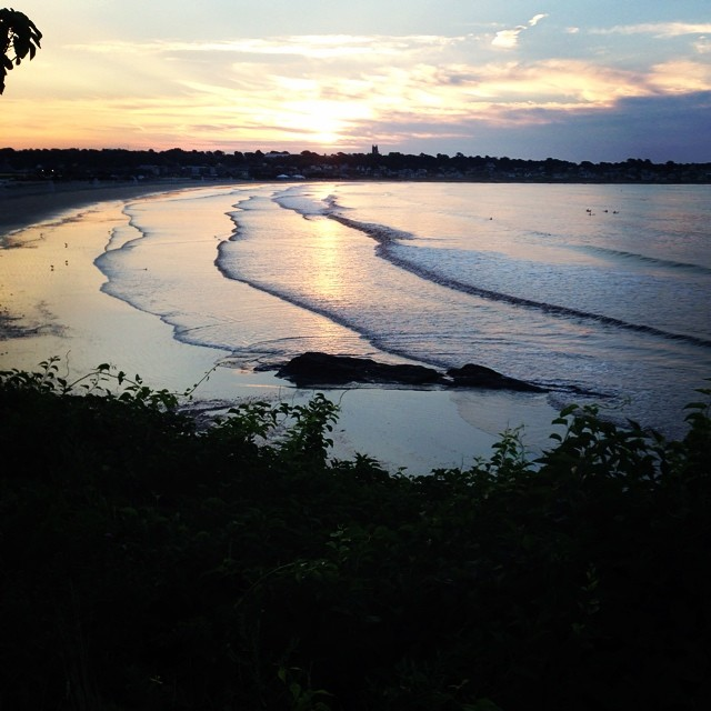 Today we got a little lost and ended climbing over rocks (cue anxiety!) before hitting the Cliff Walk. Still ended up chasing the sunrise with this amazing view. #seeonmyrun #newport #wooendorphins #sunrise